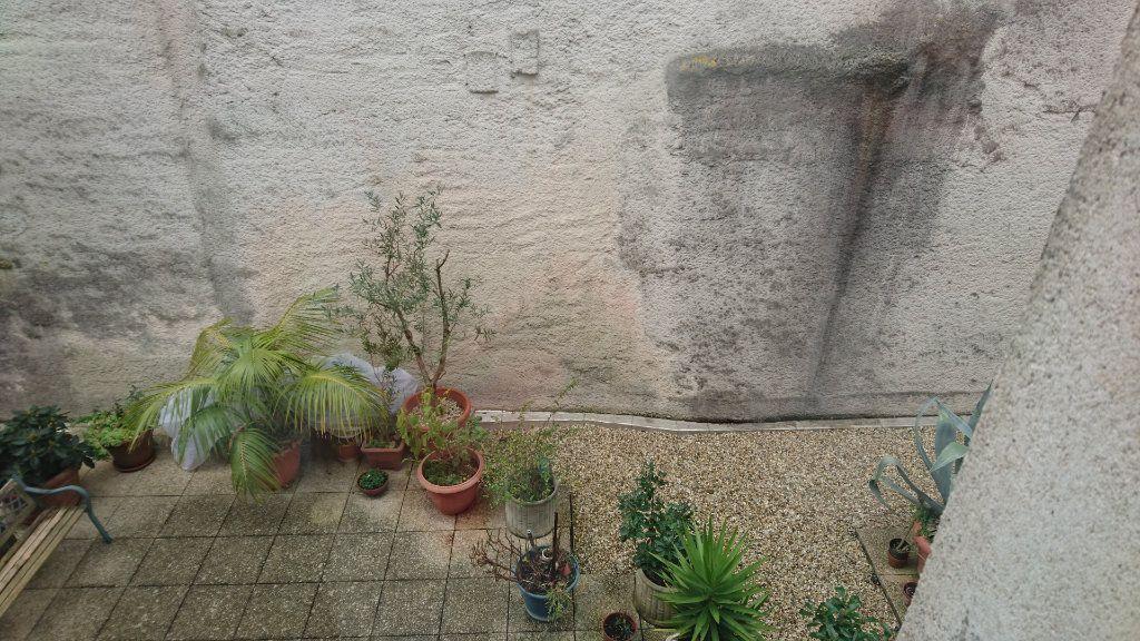 Appartement à vendre 3 63.25m2 à Rochefort vignette-6