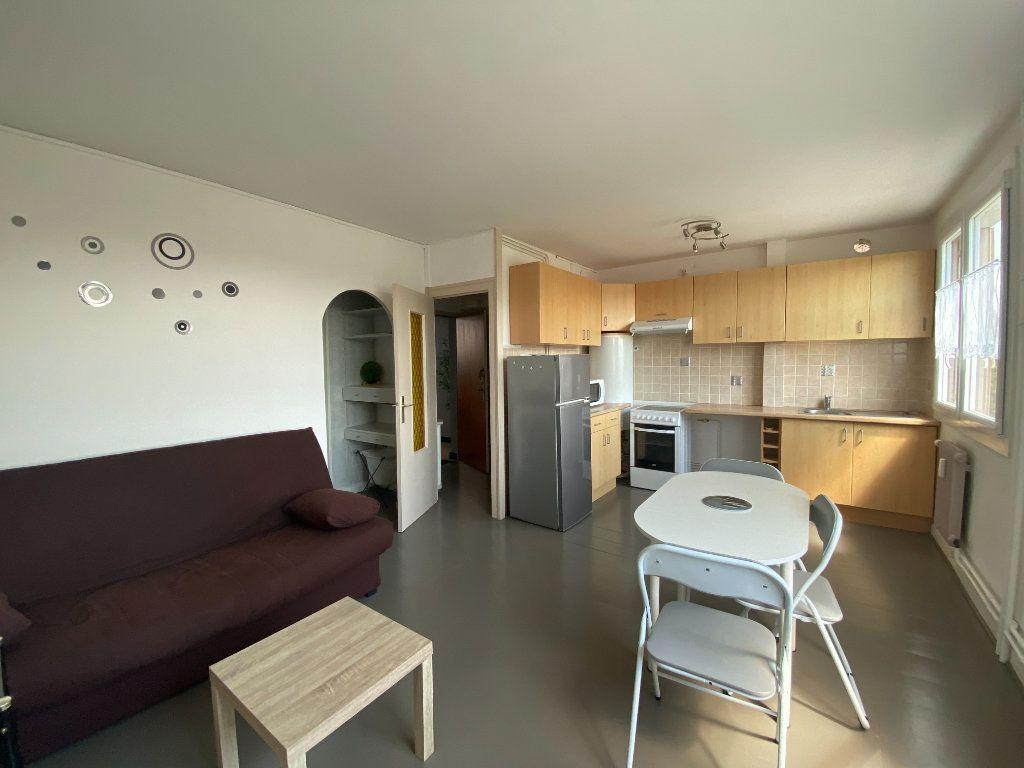 Appartement à vendre 1 26m2 à Rochefort vignette-2