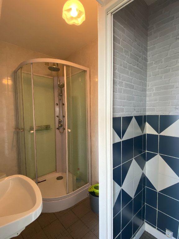 Appartement à vendre 1 26m2 à Rochefort vignette-4