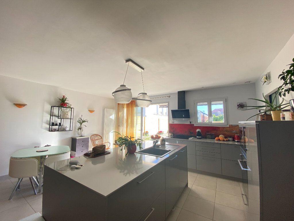 Maison à vendre 6 166m2 à Rochefort vignette-3