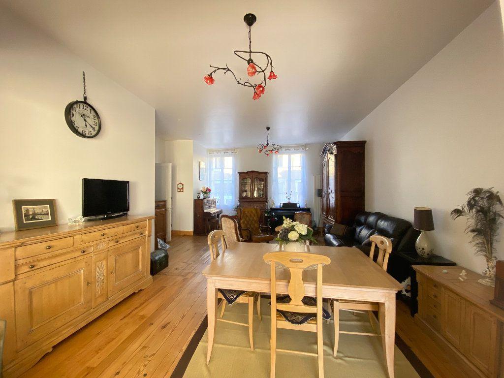 Maison à vendre 6 166m2 à Rochefort vignette-4
