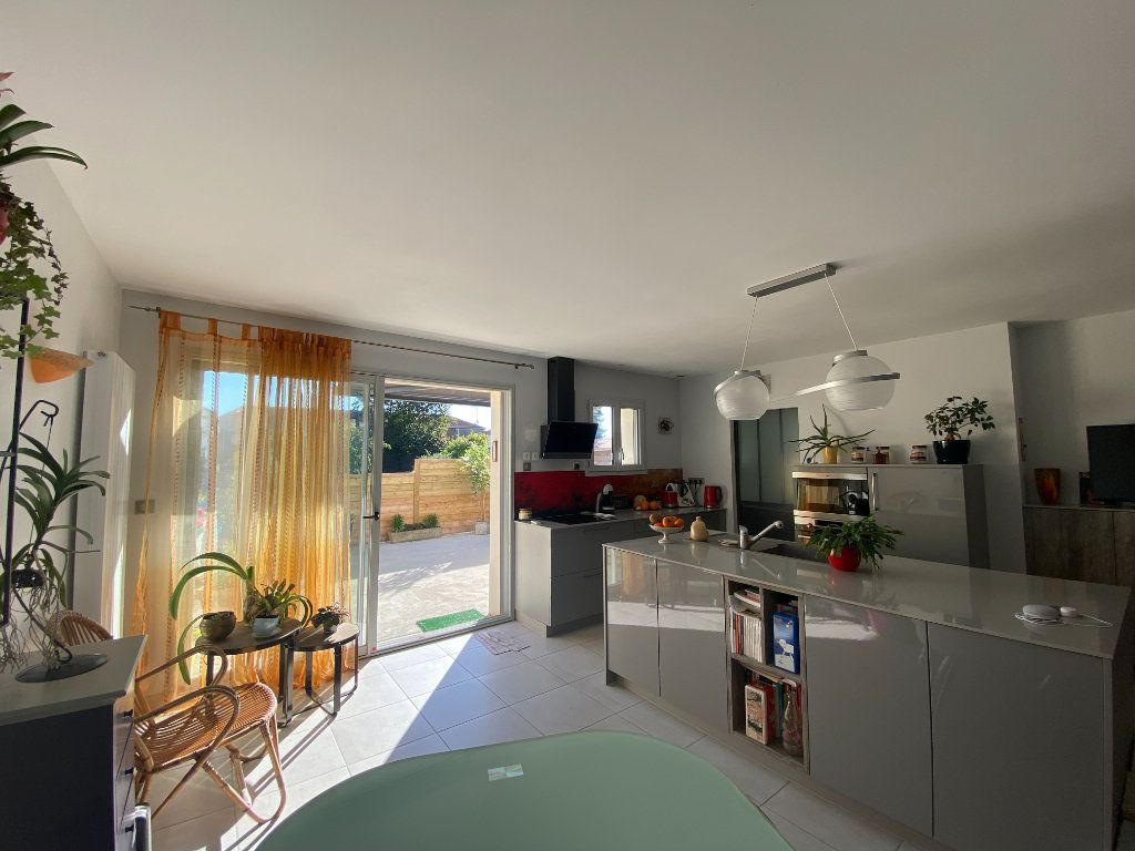 Maison à vendre 6 166m2 à Rochefort vignette-5