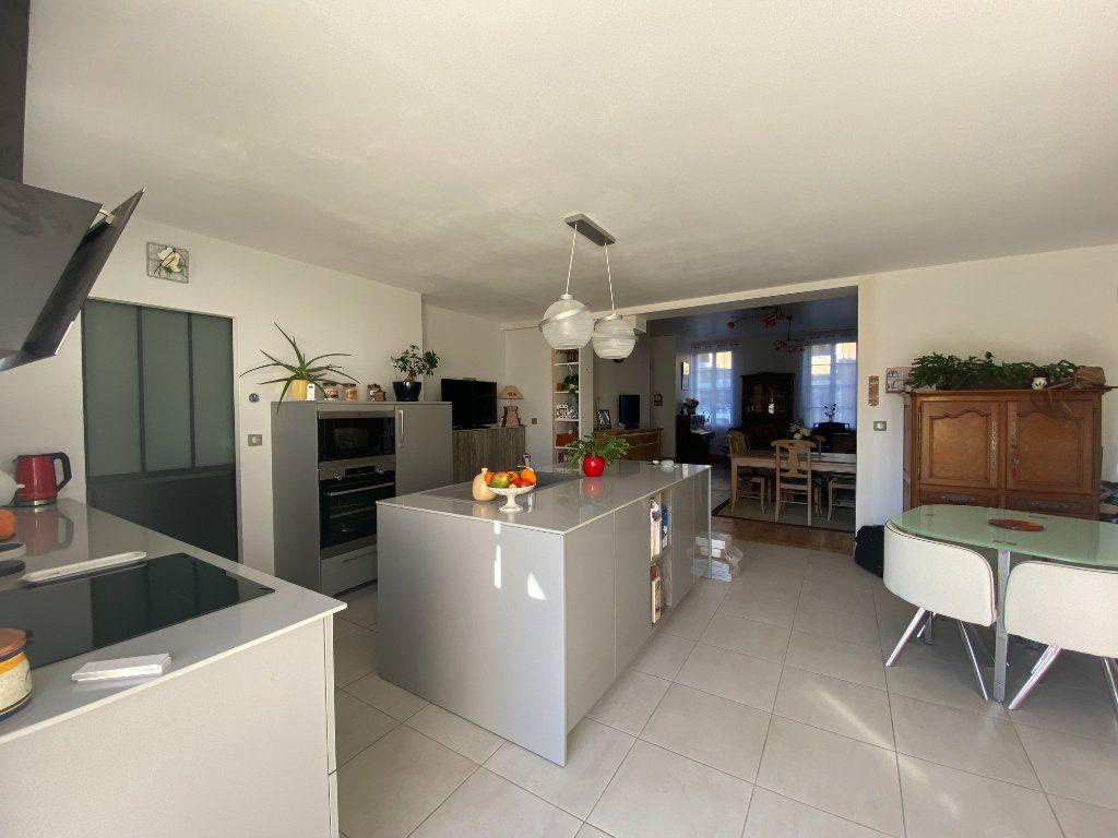 Maison à vendre 6 166m2 à Rochefort vignette-7