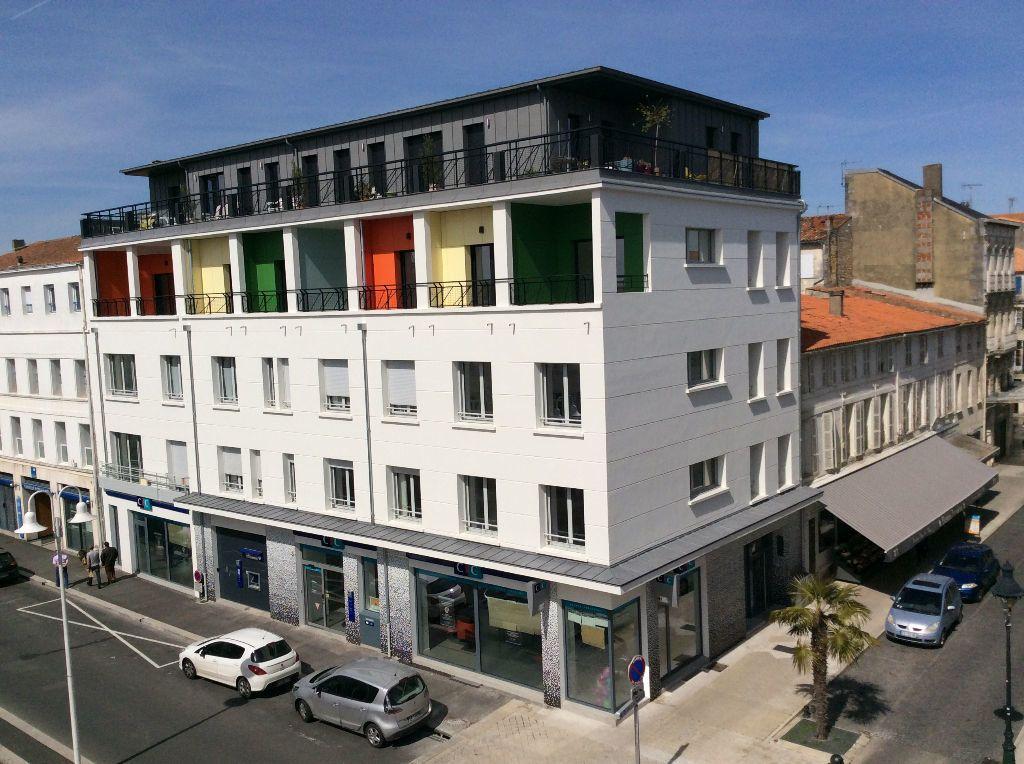 Appartement à vendre 1 60m2 à Rochefort vignette-1