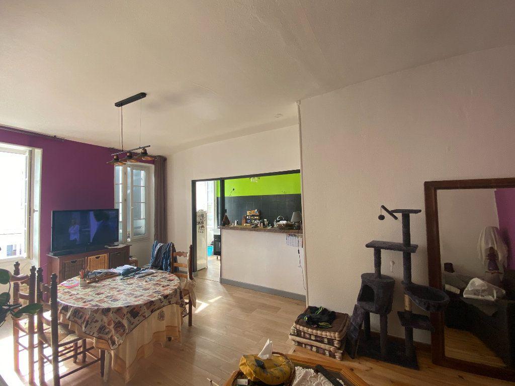 Appartement à vendre 3 73m2 à Rochefort vignette-2