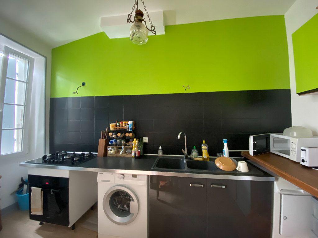 Appartement à vendre 3 73m2 à Rochefort vignette-3