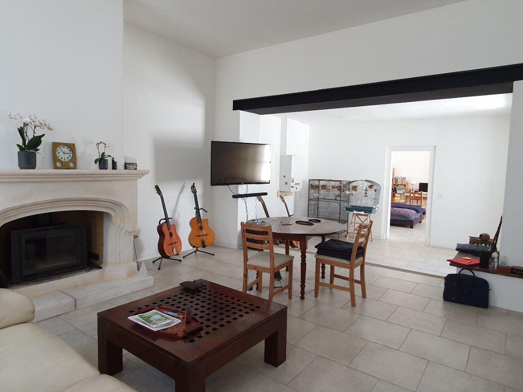 Maison à vendre 6 170m2 à Rochefort vignette-1