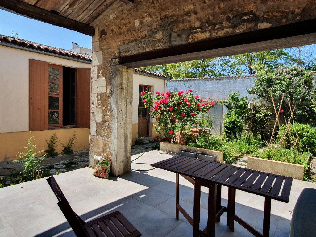 Maison à vendre 6 170m2 à Rochefort vignette-2