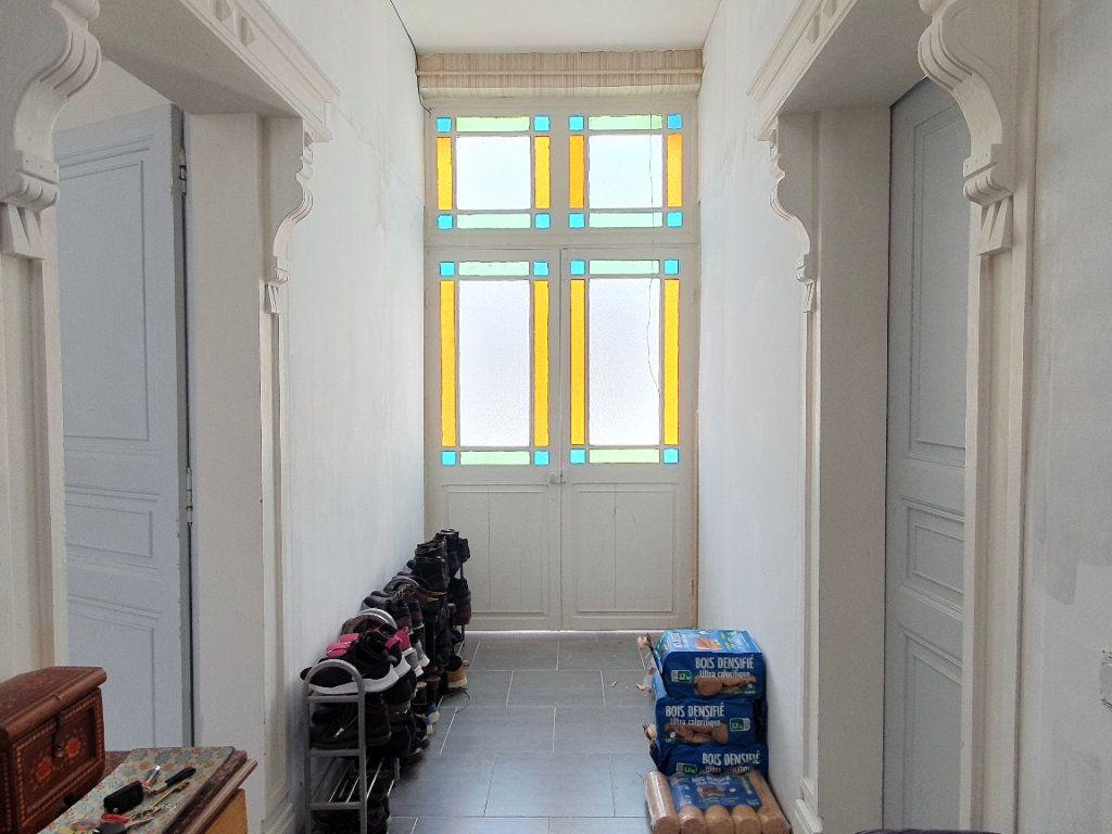 Maison à vendre 6 170m2 à Rochefort vignette-4
