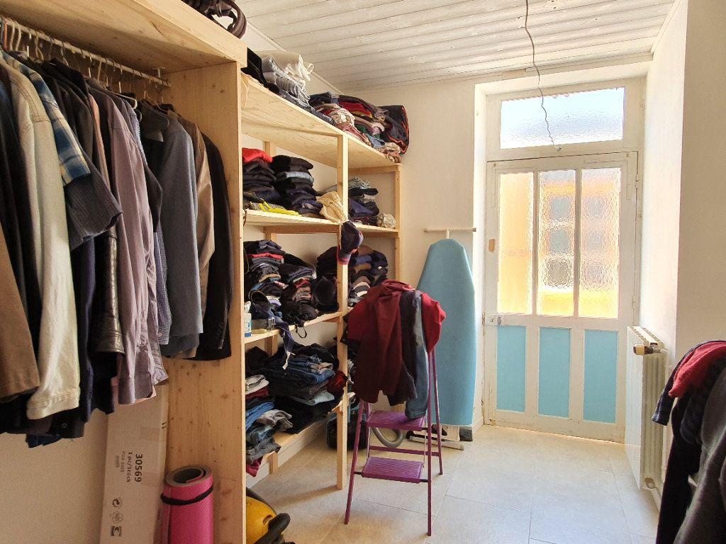 Maison à vendre 6 170m2 à Rochefort vignette-7