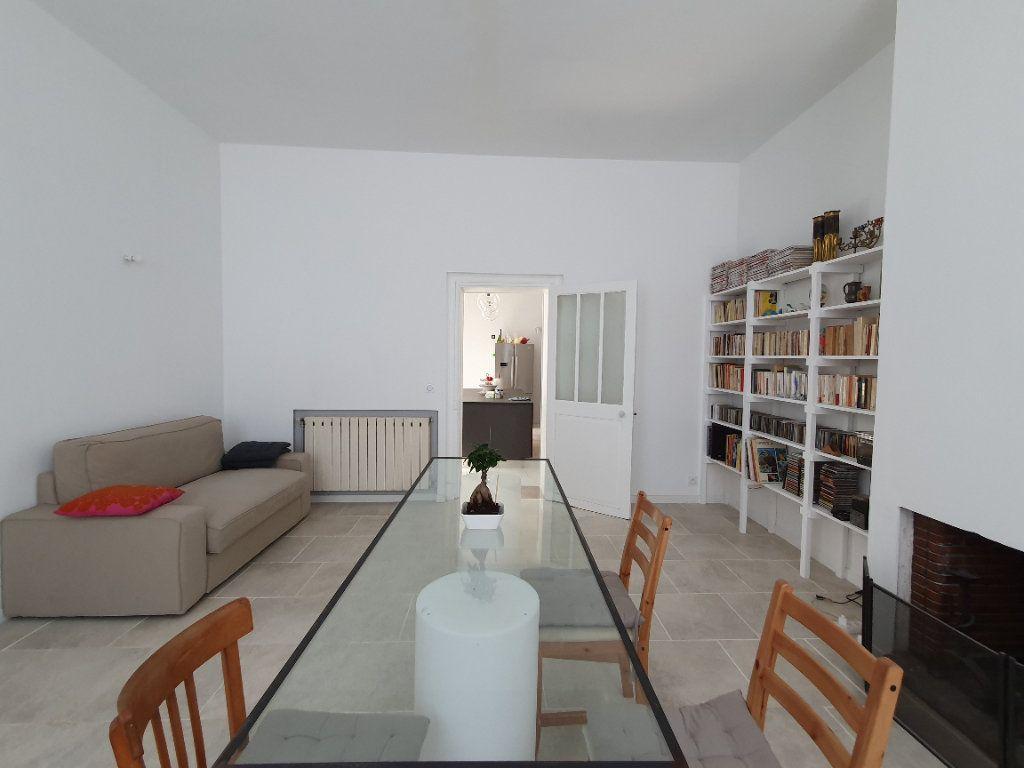 Maison à vendre 6 170m2 à Rochefort vignette-8