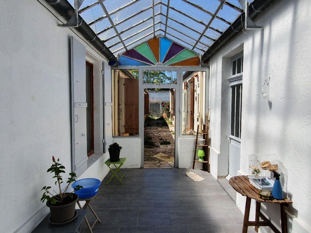 Maison à vendre 6 170m2 à Rochefort vignette-11