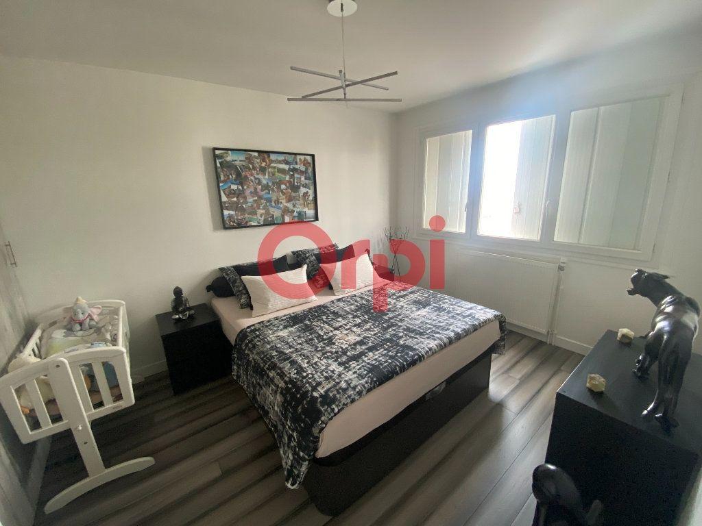 Appartement à vendre 3 66m2 à Sevran vignette-4