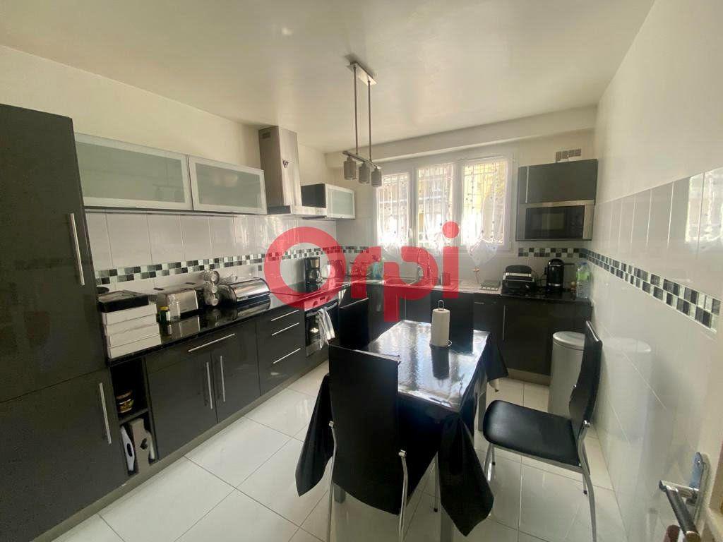 Maison à vendre 10 213m2 à Livry-Gargan vignette-2