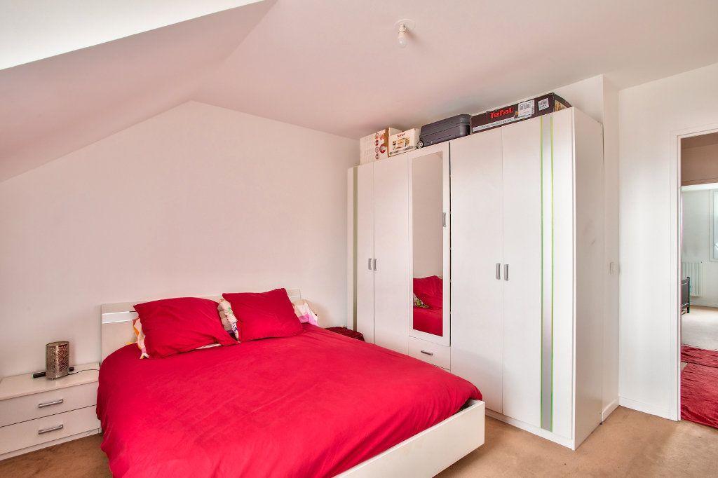 Appartement à vendre 4 95m2 à Montfermeil vignette-6