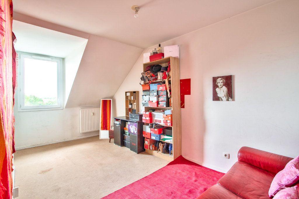 Appartement à vendre 4 95m2 à Montfermeil vignette-9