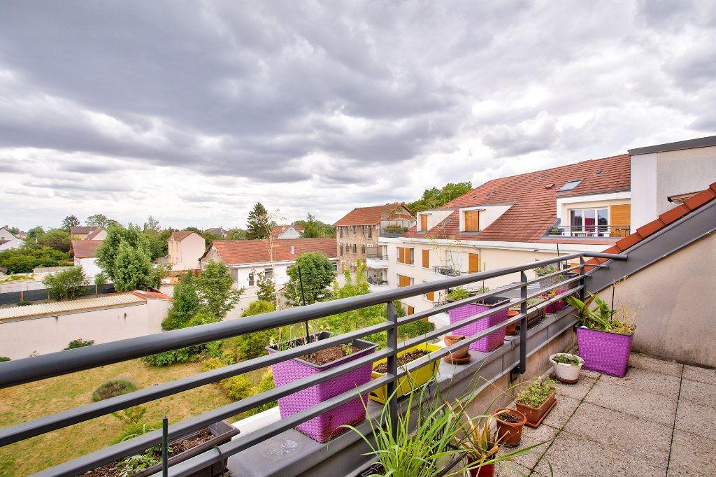 Appartement à vendre 4 95m2 à Montfermeil vignette-12