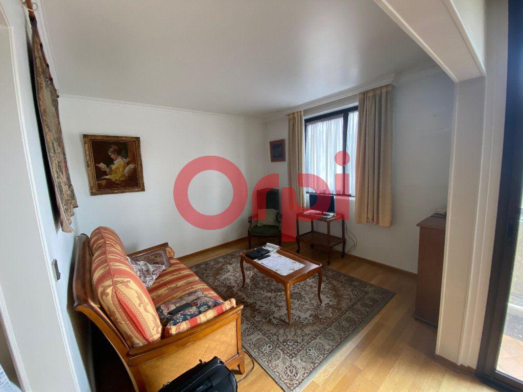 Appartement à vendre 5 82.89m2 à Clichy-sous-Bois vignette-4
