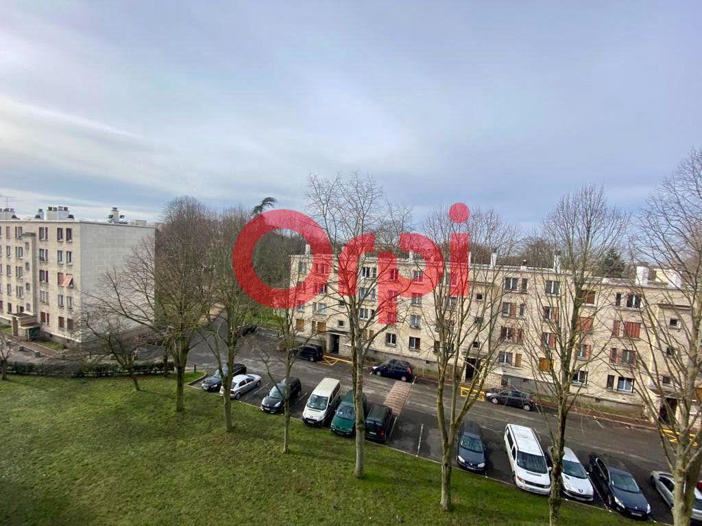 Appartement à vendre 4 60m2 à Clichy-sous-Bois vignette-2