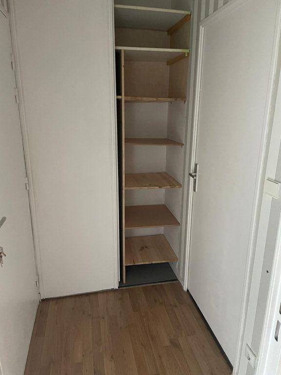 Appartement à louer 1 32m2 à Livry-Gargan vignette-7