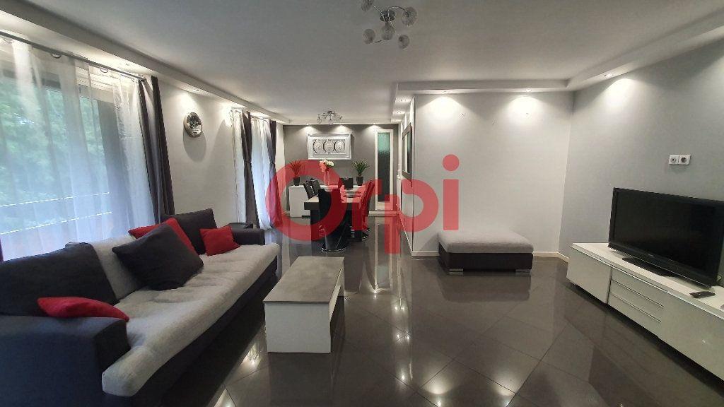 Appartement à vendre 5 101.94m2 à Tremblay-en-France vignette-1