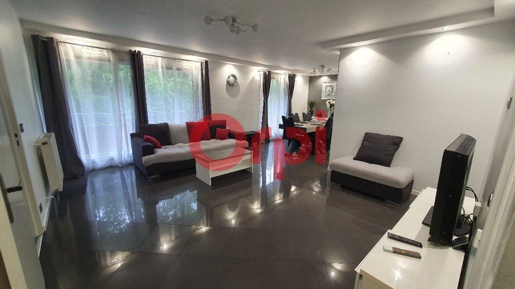 Appartement à vendre 5 101.94m2 à Tremblay-en-France vignette-2
