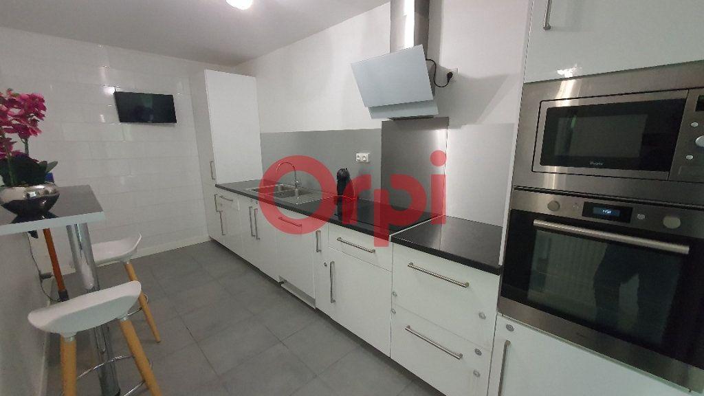 Appartement à vendre 5 101.94m2 à Tremblay-en-France vignette-4