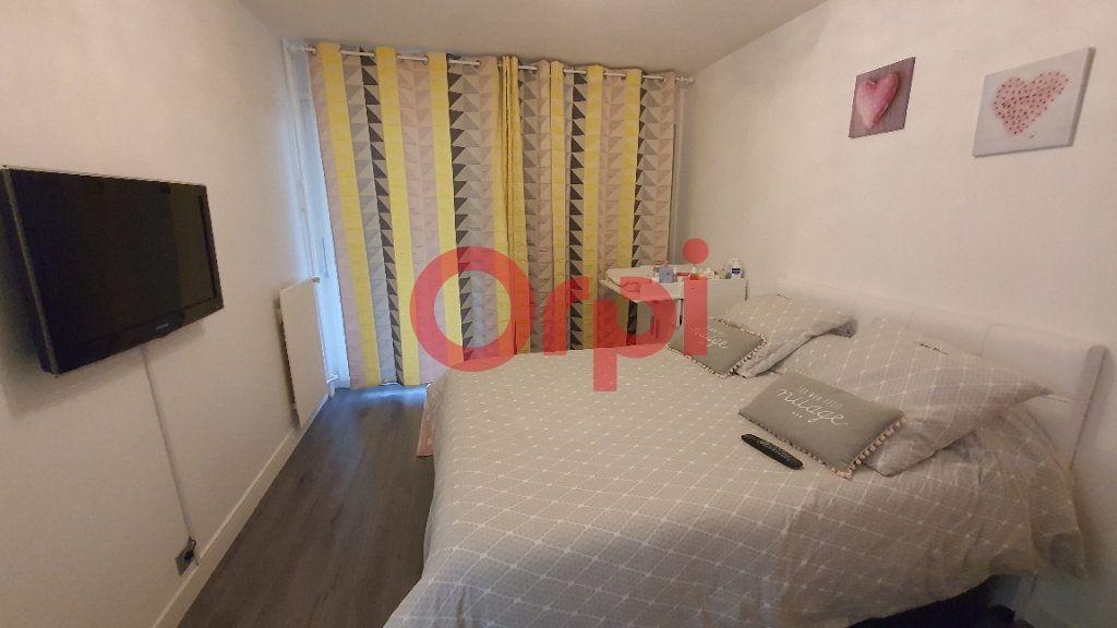Appartement à vendre 5 101.94m2 à Tremblay-en-France vignette-7