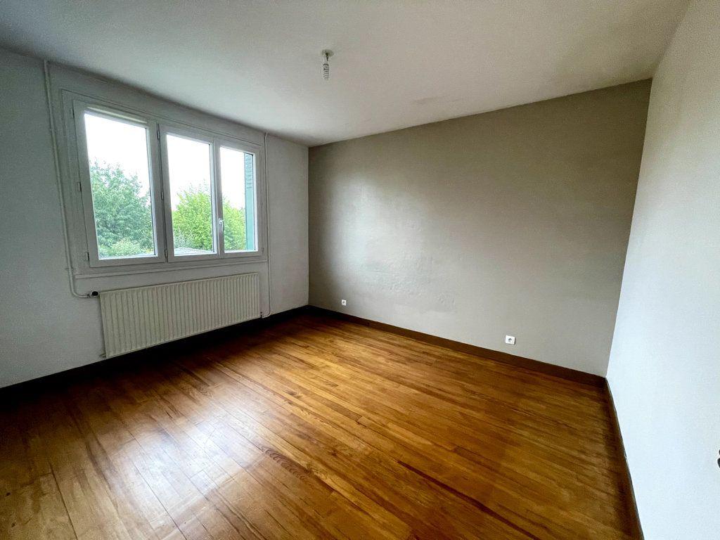 Appartement à louer 3 53.19m2 à Livry-Gargan vignette-4