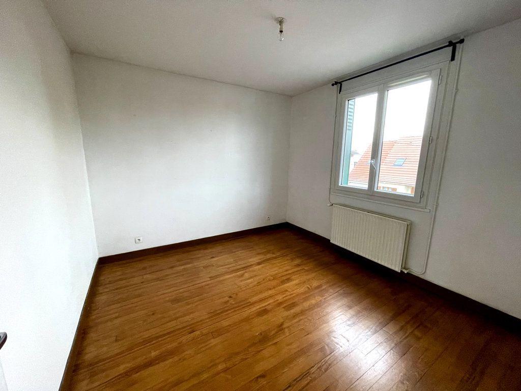 Appartement à louer 3 53.19m2 à Livry-Gargan vignette-5