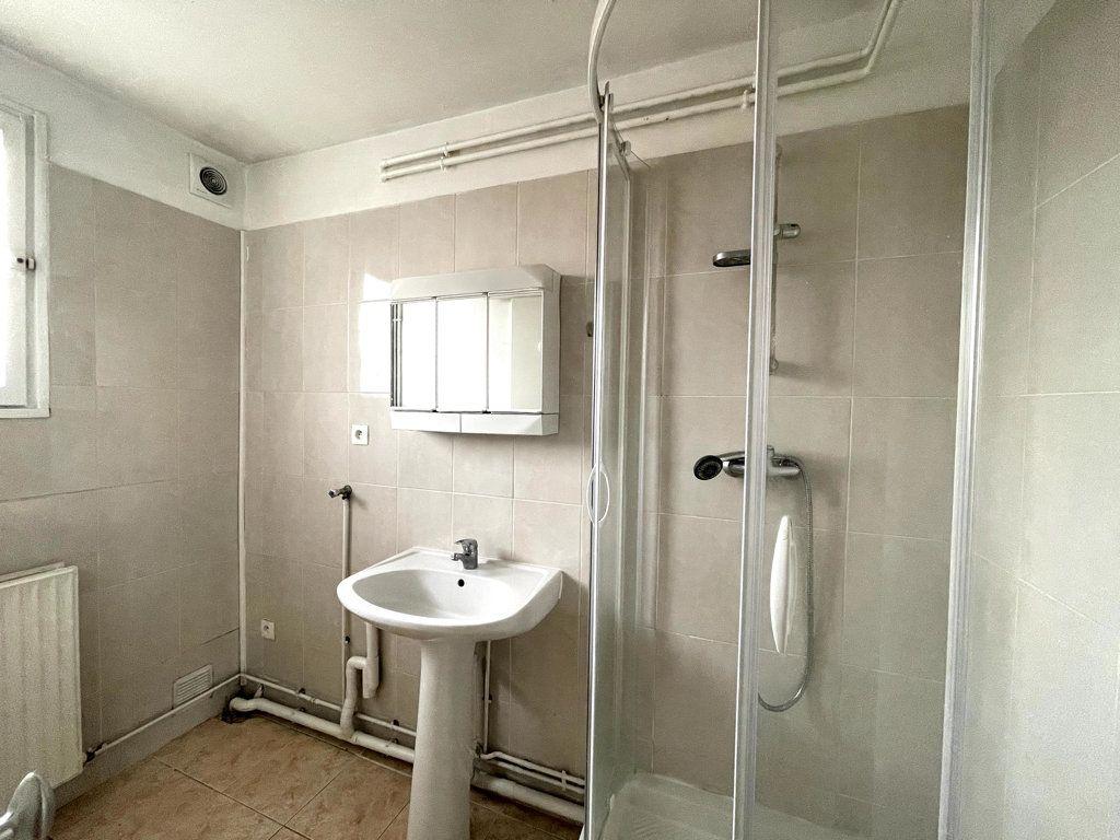 Appartement à louer 3 53.19m2 à Livry-Gargan vignette-6
