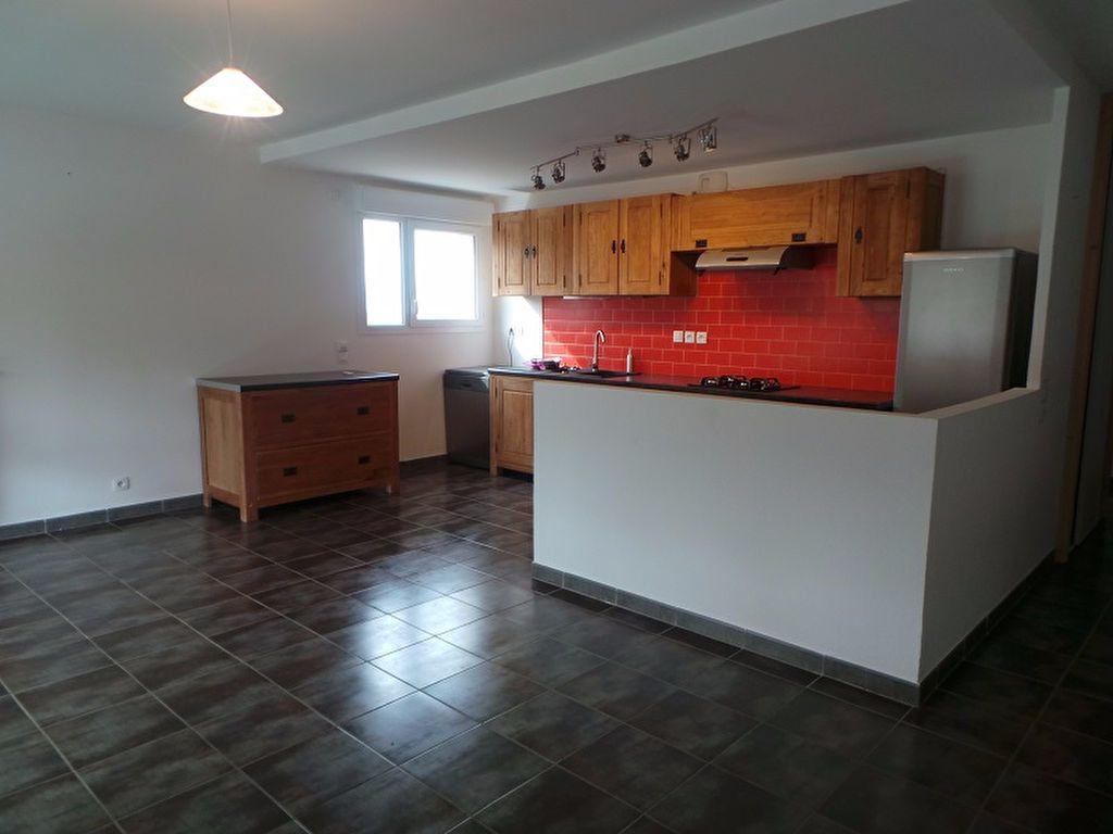 Appartement à louer 3 67.25m2 à Cercier vignette-2