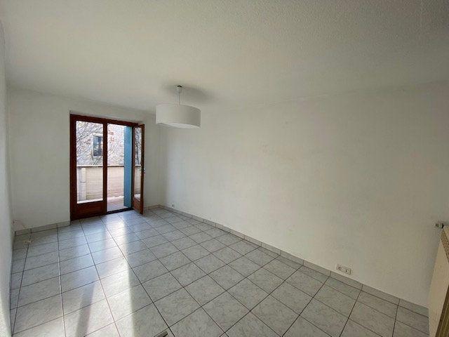 Appartement à vendre 4 77m2 à Cruseilles vignette-3