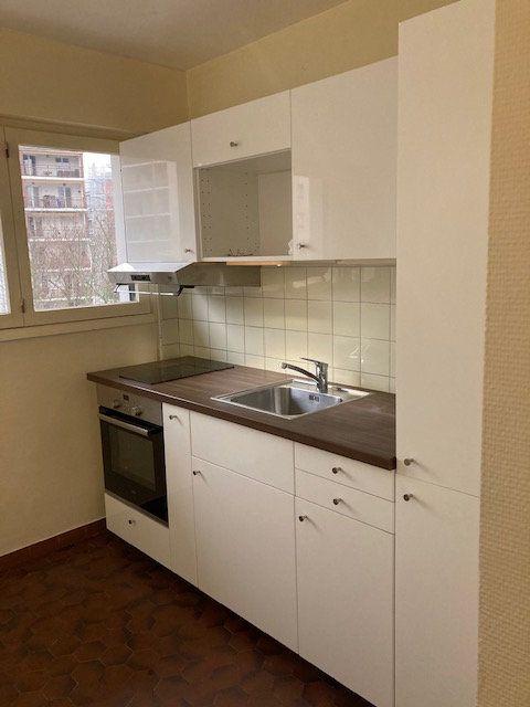 Appartement à louer 2 50.88m2 à Saint-Julien-en-Genevois vignette-1