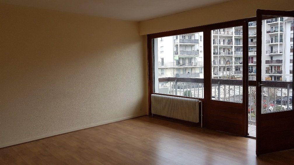 Appartement à louer 2 50.88m2 à Saint-Julien-en-Genevois vignette-3