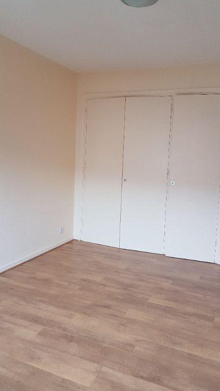 Appartement à louer 2 50.88m2 à Saint-Julien-en-Genevois vignette-5