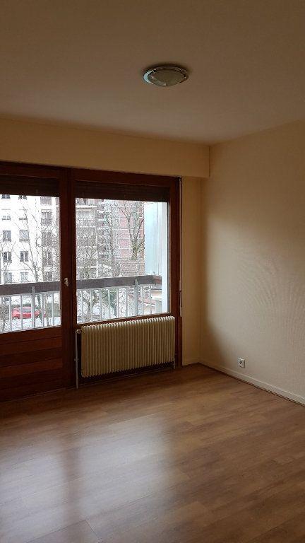 Appartement à louer 2 50.88m2 à Saint-Julien-en-Genevois vignette-6