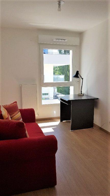 Appartement à louer 3 62.05m2 à Saint-Julien-en-Genevois vignette-3