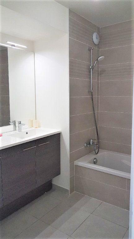 Appartement à louer 3 62.05m2 à Saint-Julien-en-Genevois vignette-4