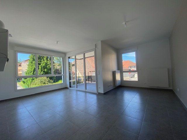 Appartement à louer 3 60.06m2 à Cruseilles vignette-2