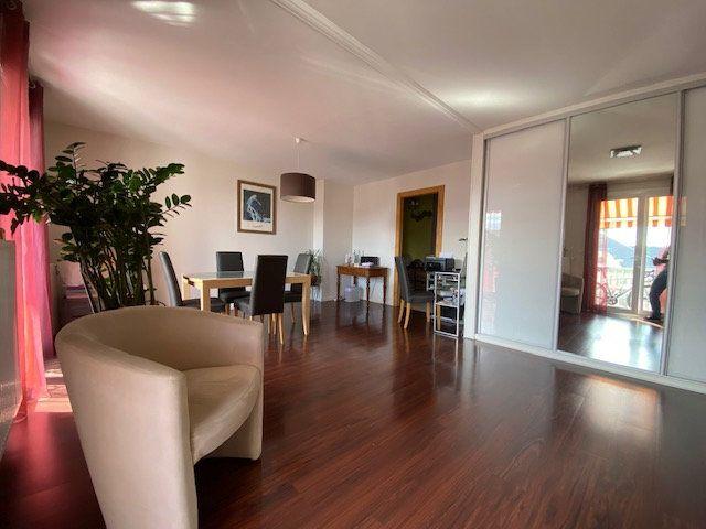 Appartement à vendre 3 67m2 à Cruseilles vignette-2