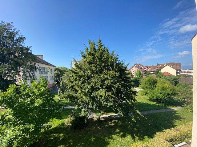 Appartement à louer 3 80.78m2 à Saint-Julien-en-Genevois vignette-1
