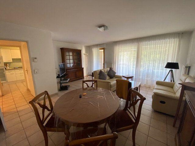 Appartement à louer 3 80.78m2 à Saint-Julien-en-Genevois vignette-4