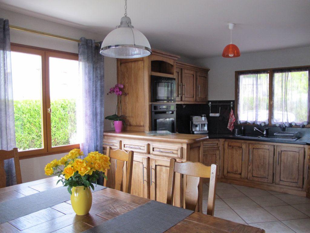 Maison à louer 5 130m2 à Andilly vignette-2