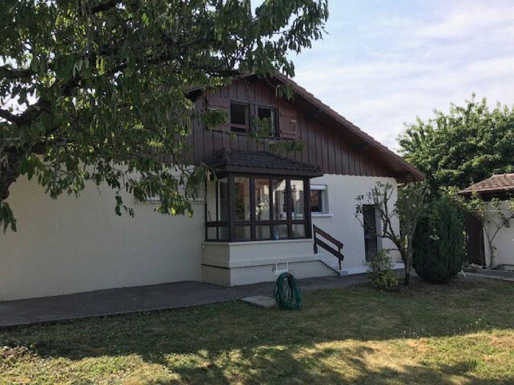 Maison à louer 5 104m2 à Saint-Julien-en-Genevois vignette-1