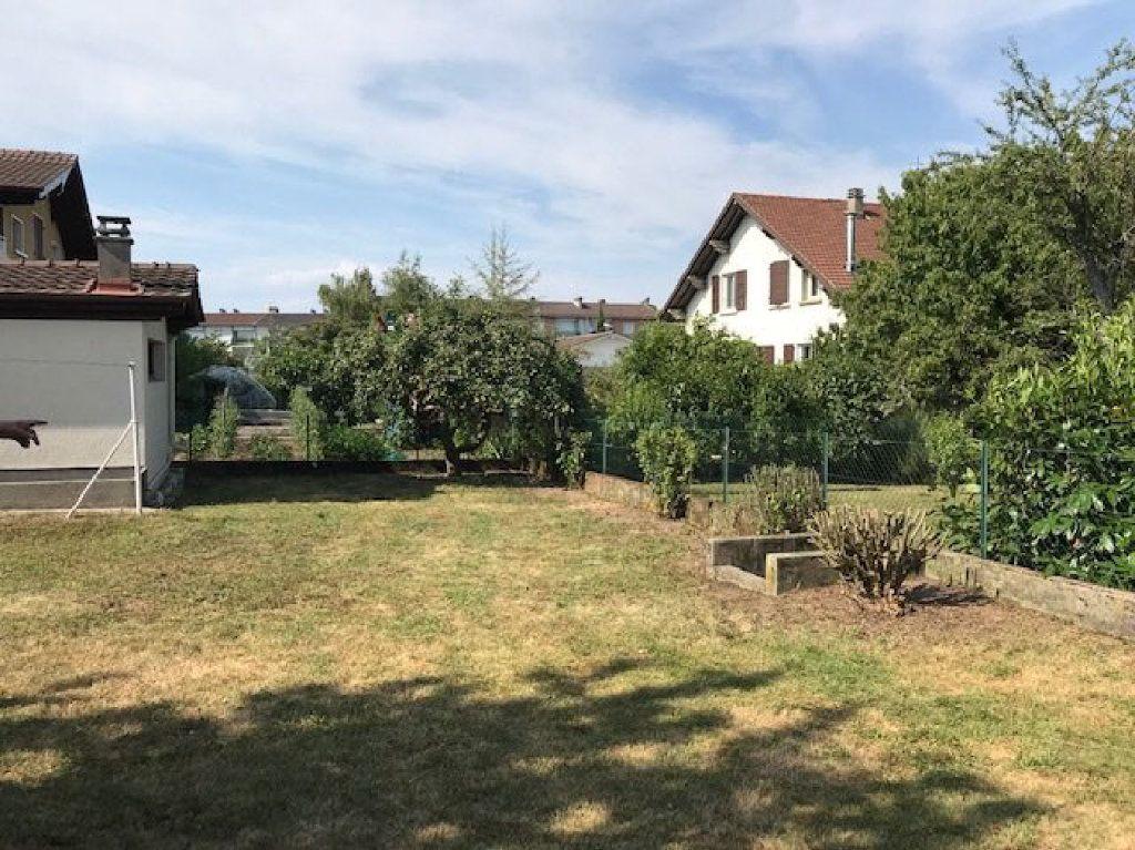 Maison à louer 5 104m2 à Saint-Julien-en-Genevois vignette-5