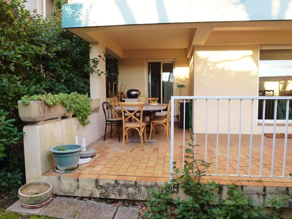 Appartement à vendre 3 80m2 à Villeneuve-lès-Avignon vignette-2