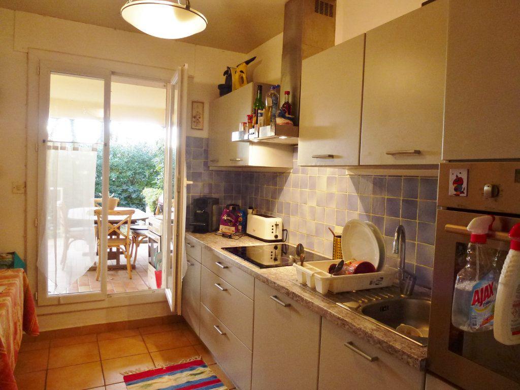 Appartement à vendre 3 80m2 à Villeneuve-lès-Avignon vignette-3