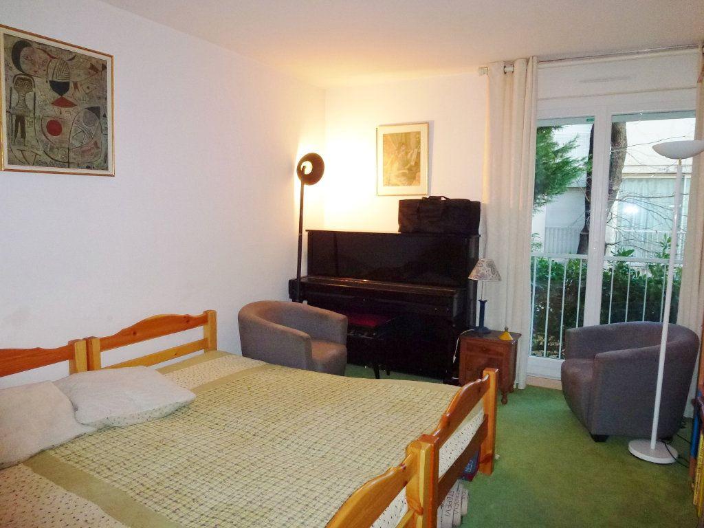 Appartement à vendre 3 80m2 à Villeneuve-lès-Avignon vignette-8