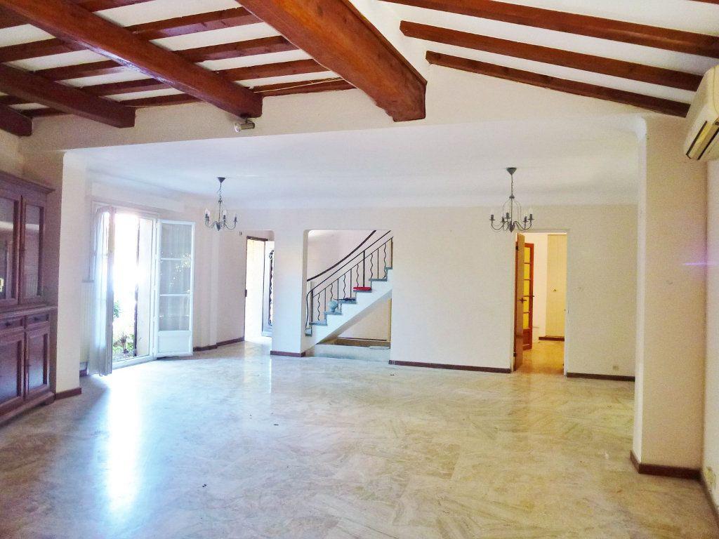 Maison à vendre 7 153.54m2 à Avignon vignette-1